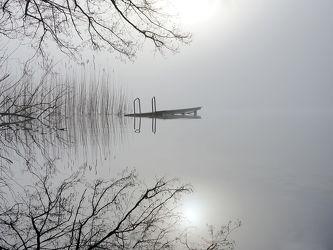 Bild mit Wasser, Gewässer, Seen, Sonne, Schilf, reet, Schleswig_Holstein, Naturpark_Westensee, Pohlsee, Hochnebel, Sonnenspiegelung, Bodennebel
