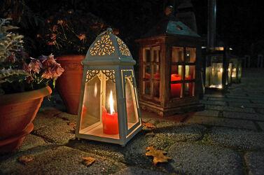 Bild mit Kerzen, Weihnachtszeit, Wegbeleuchtung