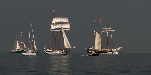 Bild mit Dunkelheit, Meer, Gewitter, Regen, Abendsonne, Kieler_Förde, Windjammerparade, Kiel