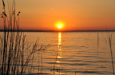 Bild mit Wasser,Gewässer,Meere,Sonnenuntergang,Italien,Sonnenaufgang,Meer,romantik,See,Am Meer,sea,ozean,Italy