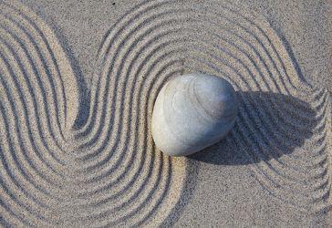 Bild mit Stein, Sand, Meditation, Ruhe, Entspannung, Stillleben, Spa, Linien, Linie