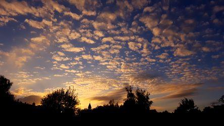 Bild mit Himmel, Wolken, Sonnenuntergang, Sonnenaufgang, Wolkenhimmel