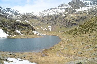 Bild mit Berge, Schnee, Gewässer, Bergsee, See, berg, Gebirge, in den Bergen, Schnee in den Bergen, Hohe Berge