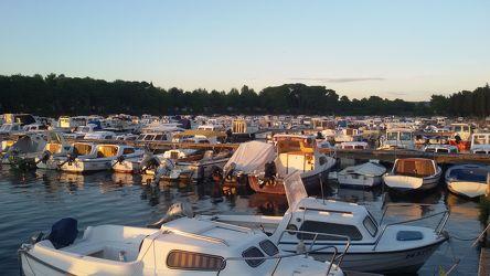Bild mit Segelboote, Häfen, Hafenstadt, Boote