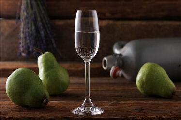 Bild mit Holz, Glas, Alkohol, Birnen, rustikal, Küchenbild, Food, Getränk, schnaps, obstler