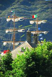 Norwegen - Segelschiff im Hafen