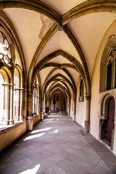 Bild mit Architektur, Gebäude, Deutschland, Klöster, Kirche, Perspektive, Denkmal, Historisch, Sakralbau, Dom, Eifel, Trier, Kreuzgang
