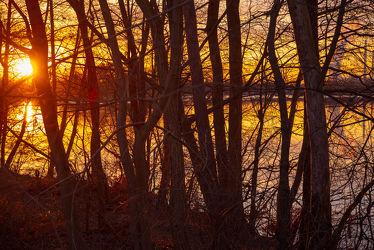 Bild mit Natur, Wasser, Pflanzen, Bäume, Sonnenuntergang, Dämmerung, Sonne, Ruhe, Entspannung, Spiegelungen, Umwelt, Reflexionen, Kraftwerk