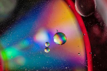 Bild mit Kunst, Wasser, Makro, Licht, Perspektive, Objekte, Stillleben, Fantasie, nahaufnahme, Schatten, öl, Kugeln, kreise, Motive, Spektralfarben, Studioaufnahme, Emulsion