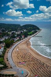 Bild mit Wasser, Himmel, Wolken, Wellen, Urlaub, Strand, Strandkörbe, Ostsee, Licht, Wind