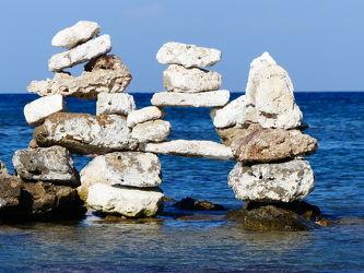 Bild mit Meer, Mittelmeer, gestapelte Steine, Griechenland