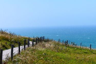 Bild mit Gräser, Wege, Frankreich, Meer, Blauer Himmel, Spaziergang, Küste