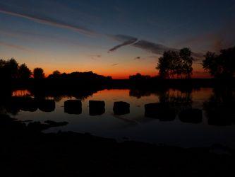 Bild mit Wasser, Seen, Sonnenuntergang, Abendrot, Wasserspiegelung