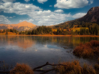 Bild mit Natur, Wasser, Wolken, Eis, Schilf, See, Wandern, Spätherbst, Tourismus, Nachsaison, goldene Stimmung, Saarnerland, Region Gstaad