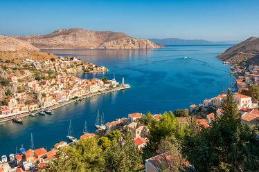 Griechische Insel Symi, Blick auf Meer und Hafen