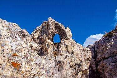 Bild mit Natur, Landschaften, Berge, Felsen, Gestein, Löcher, Durchblick