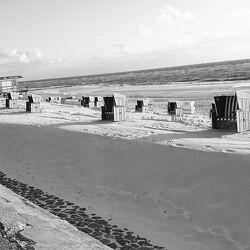 Bild mit Strand, Sandstrand, Sandstrand, Strandblick, Strandkörbe, Strandkorb am Meer, Sanddünen