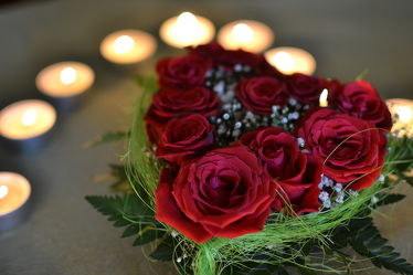 Bild mit Blumen,Rosen,Blume,Flower,Kerzenlicht,Stillleben,Herz,Liebe,Hochzeit,Geburtstag,Valentinstag,Rosenherz