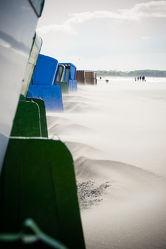 Bild mit Natur, Wasser, Sand, Urlaub, Strand, Strandkörbe, Ostsee, Meer, Strandkorb, Kälte