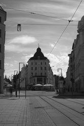 Bild mit Städte,Stadt,Stadt Görlitz,Görlitz,Görlitz und Umgebung,City,schwarz weiß,Stadtleben,Berliner Straße