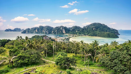 Bild mit Palmen, Inseln, Sandstrand, Meerblick, Insel, Urlaubsfoto, Paradis, südostasien, Phi Phi, Thailand