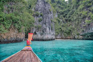 Bild mit Strände, Palmen, Inseln, Meerblick, asien, südostasien, Bucht, Phi Phi, Thailand