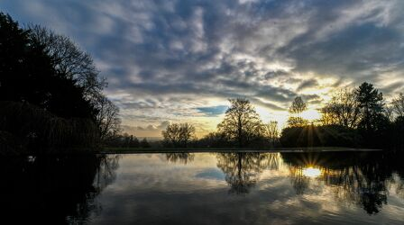Bild mit Sonnenuntergang, See, Spiegelung, Teich, Wasserspiegelung, Sonnenspiegelung