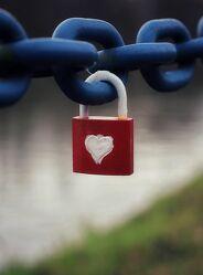 Bild mit Rot, Liebe und Herzen, Herz, Kette, liebesschloss