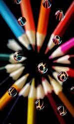 Bild mit Buntstifte, Abstrakte Kunst, Wassertropfen, Bunt, Reflektionen im Wasser