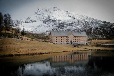 Bild mit Schnee, Herbst, Alpen, See, Spiegelung, Berggipfel, Simplon, Hübschhorn