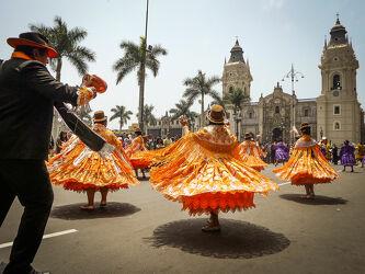 Bild mit Sommer, Ferien, Reisen, Kultur, Kultur, Weltkulturerbe, Tanzen, Südamerika, Peru, fiesta