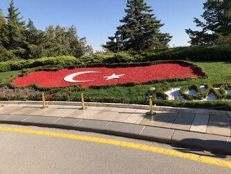 Bild mit Blumen, Weiß, Rot, Mond, Sterne, fahne