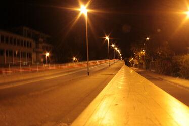 Bild mit Straßen und Wege, Straßen, Licht, Brücke, Straßenbrücke, lampen