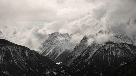 Bild mit Landschaften, Winter, Wolken, Weiß, Schwarz, Alpen Panorama, Graubünden, Bergpanorama