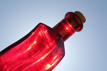 Bild mit Farben, Gegenstände, Lebensmittel, Rot, Materialien, Glas, Trinken, Flaschen