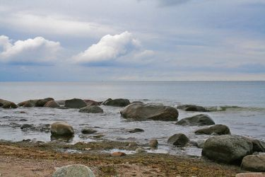 Bild mit Natur,Landschaften,Himmel,Wolken,Gewässer,Küsten und Ufer,Felsen,Meere,Strände,Horizont,Brandung,Wellen,Buchten