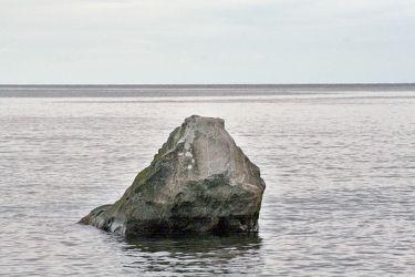 Bild mit Natur, Wasser, Gewässer, Küsten und Ufer, Felsen, Meere, Brandung, Wellen, Inseln, Fels