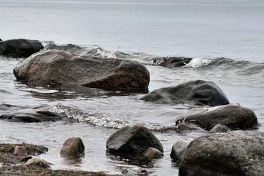 Bild mit Natur,Elemente,Wasser,Landschaften,Gewässer,Küsten und Ufer,Flüsse,Felsen,Meere,Brandung,Wellen